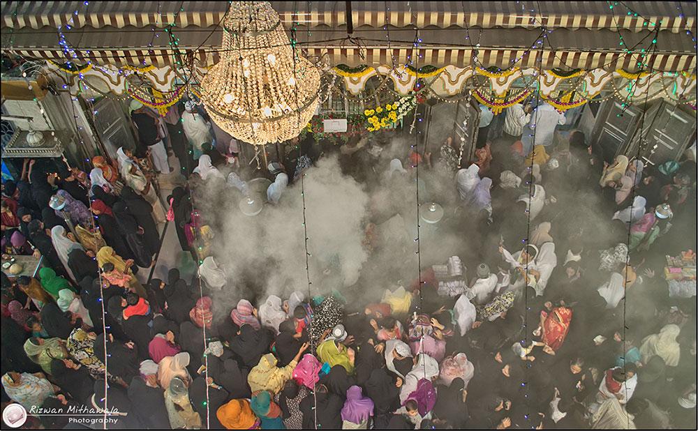 The Abdul Rehman Shah Baba dargah in Dongri.