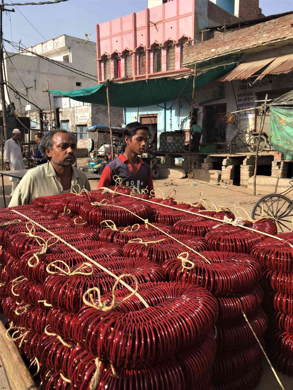 A vendor sells bangles in Firozabad. (Photo credit: Akash Bisht).