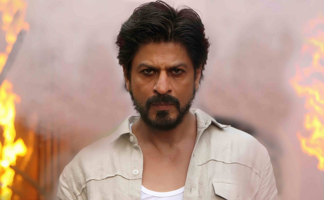 Shah Rukh Khan in Raees (2017).