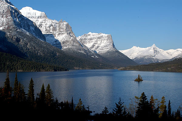 Saint Mary Lake and Wildgoose Island, Glacier National Park, USA, a UNESCO designated World Heritage Site. Photo credit: US National Park Service/Wikimedia Commons [Licensed under Creative Commons]