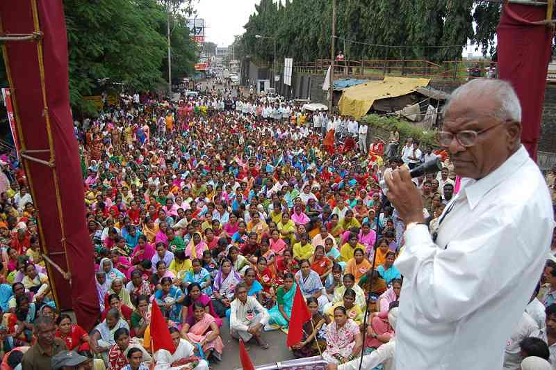 Govind Pansare at a rally. Courtesy Anand Patwardhan.