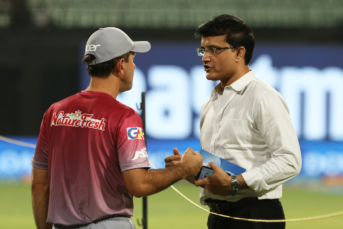 Rewind.....CAB president Sourav Ganguly in conversation with Delhi Daredevils coach Ricky Ponting | Image courtesy: Saikat Das / IPL/ SPORTZPICS