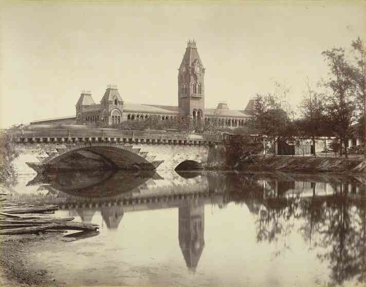 Madras Central Railway Station, 1880. Credit: Nicholas and Company [Public domain]