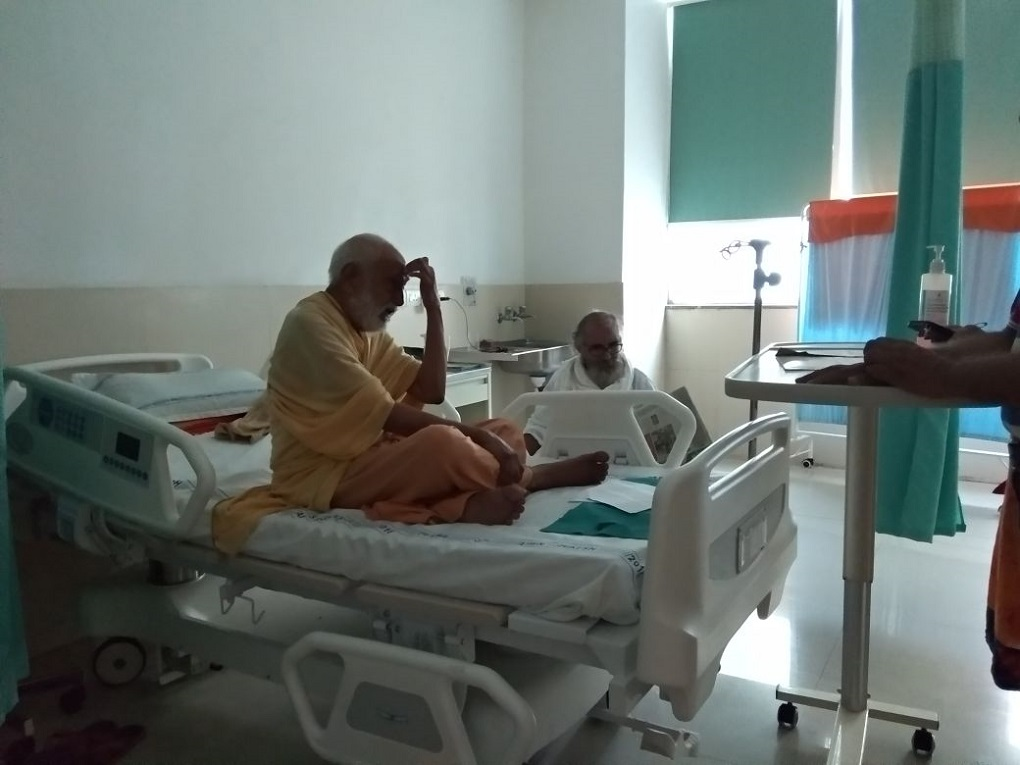 Under protective custody at a hospital in Rishikesh, Agrawal has refused to break his fast until action on the Ganga is taken. (Photo credit: Tarun Bharat Sangh)