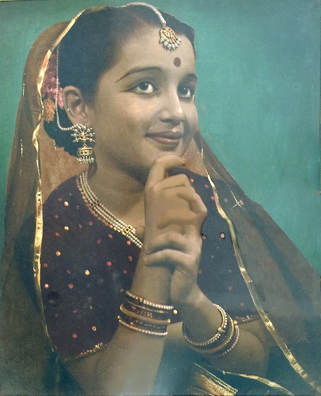 Asha Parekh as a child. Courtesy Asha Parekh The Hit Girl/Om Books International.