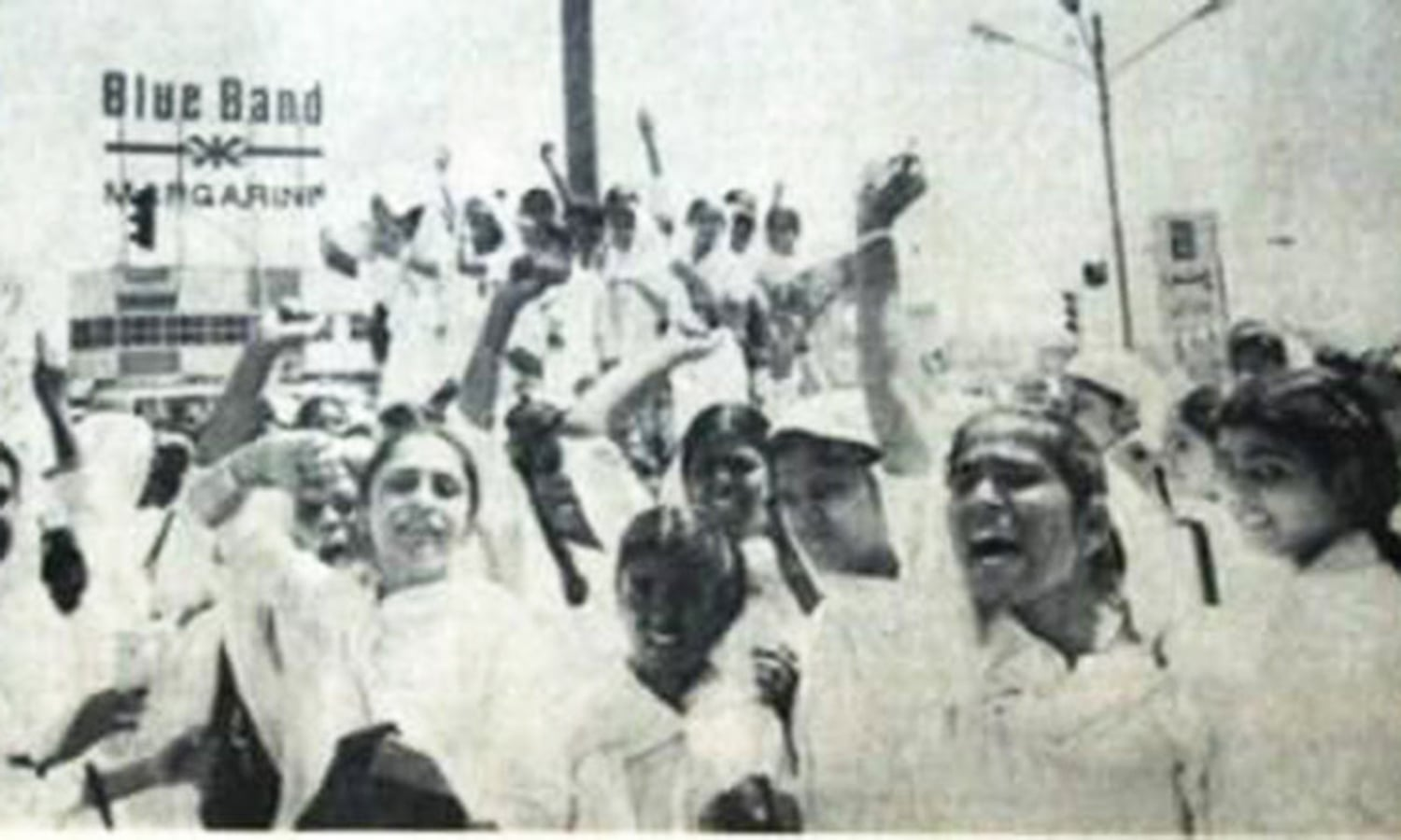 1985: School and college students chant slogans against the government and Karachi's transport mafia the day after a Mohajir student, Bushra Zaidi, was run over by a bus.