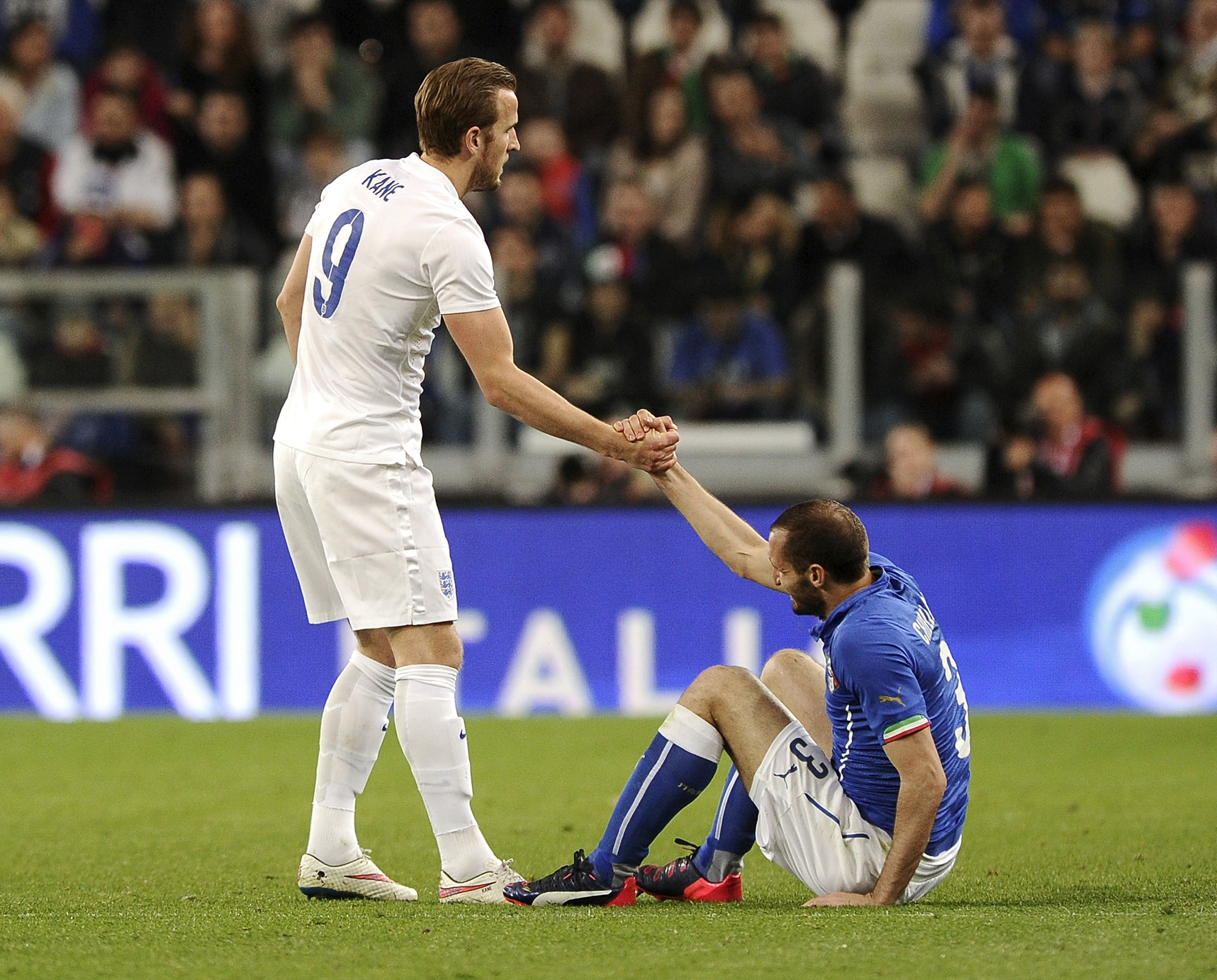 Kane (left) and Chiellini during an international friendly between England and Italy in 2015 | Picture courtesy: Reuters