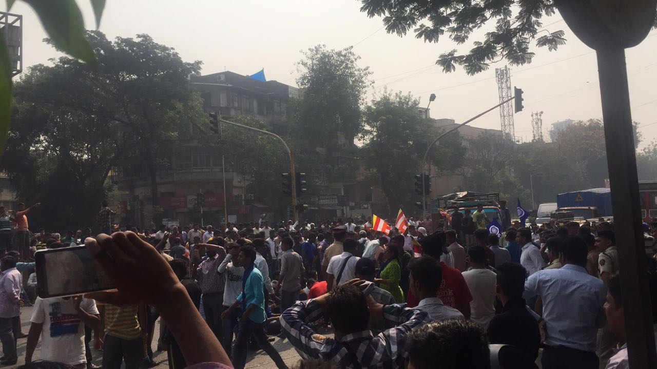 Dalit activists gather near the Sion Flyover, joining the protests that have brought Mumbai to a standstill. (Joel George/Scroll.in)