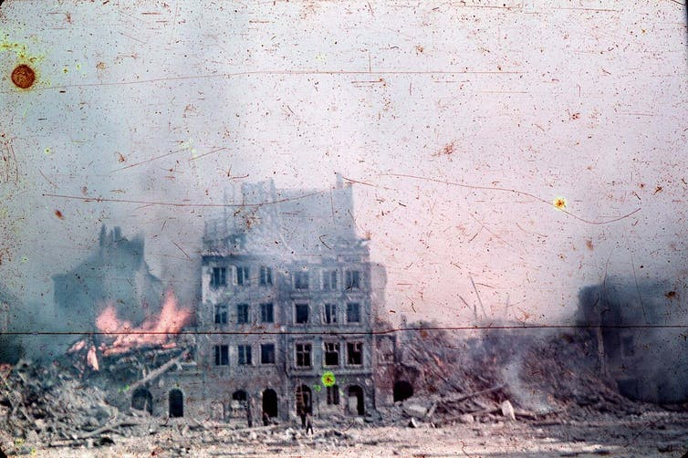 The Old Town burns during the Warsaw Uprising, August 1944. Photo credit: Museum of Warsaw/Wikimedia Commons [Licensed under CC BY Public Domain Mark 1.0]