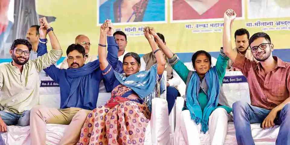 Gujarat Independent MLA Jignesh Mewani, Bhim Sena leader Vinay Ratan Singh, Dalit activist Radhika Vemula, Adivasi leader Soni Sori and student leader Umar Khalid during the Elgar Parishad. Credit: HT Photo.