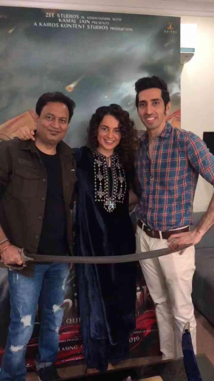 Kamal Jain (left) with Kangana Ranaut. Courtesy Twitter.
