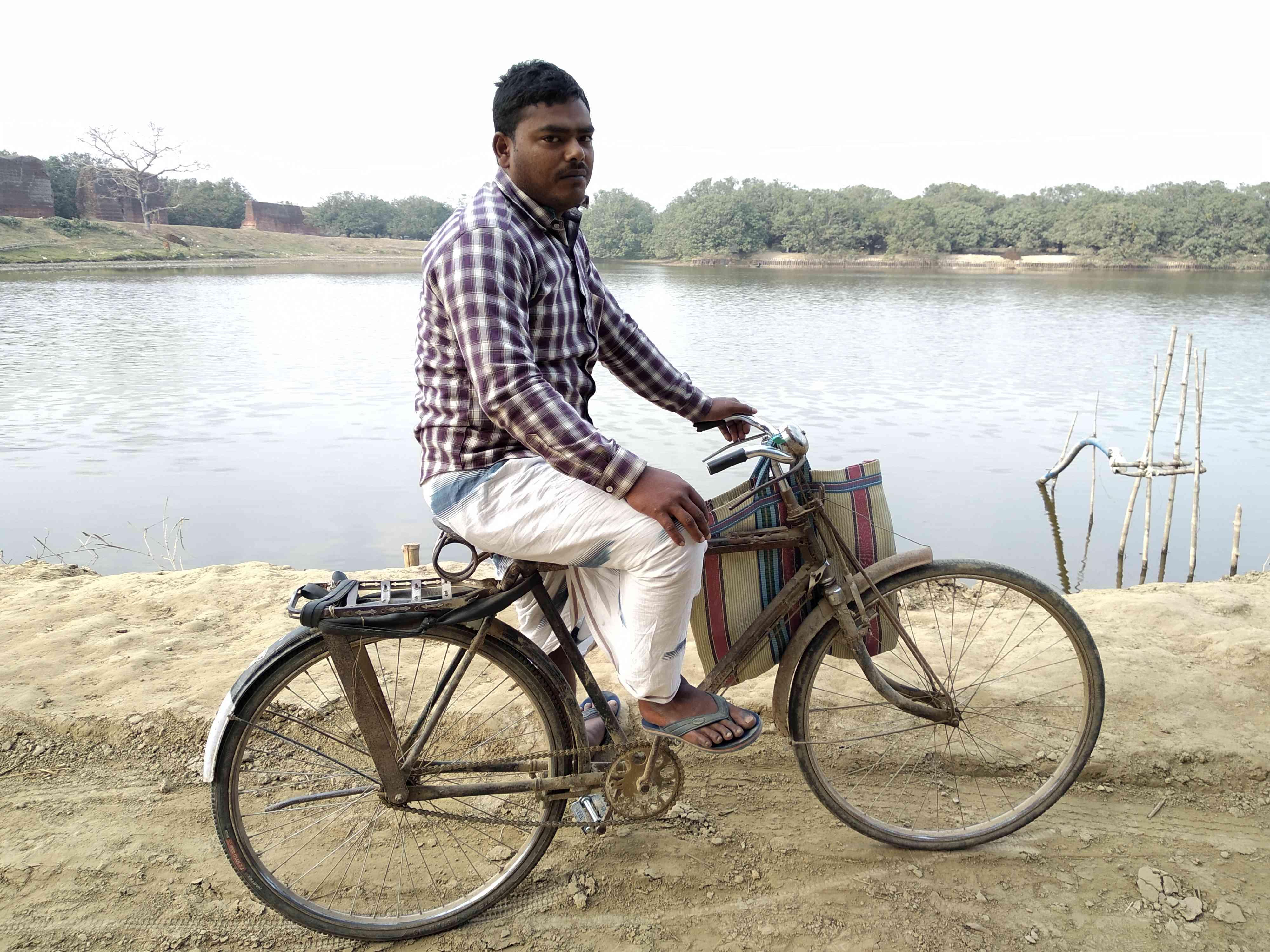हुसैन   सभी तस्वीरें : हेमंत कुमार पाण्डेय