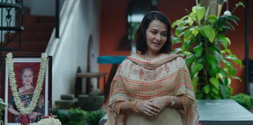 Amala Akkineni in Karwaan (2018). Courtesy RSVP Movies/Ishka Films.