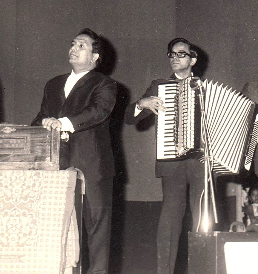 Sumit Mitra (right) with Shankar. Courtesy Sudarshan Pandey.