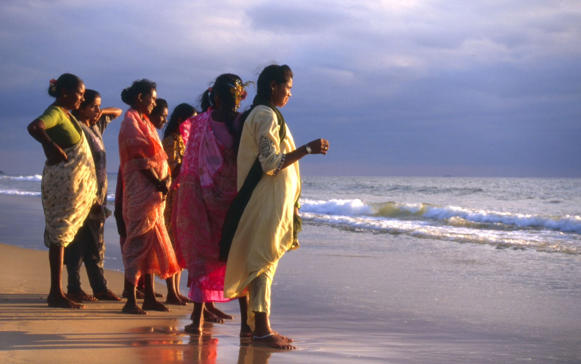 Women on the beach at Calangute, Goa. (Photo: Pixabay)