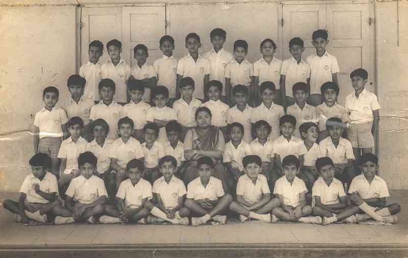 AR Rahman (extreme right, first row) in the sixth standard at Padma Seshadri Bala Bhavan, Chennai. Courtesy PSBB Batch of 1985.