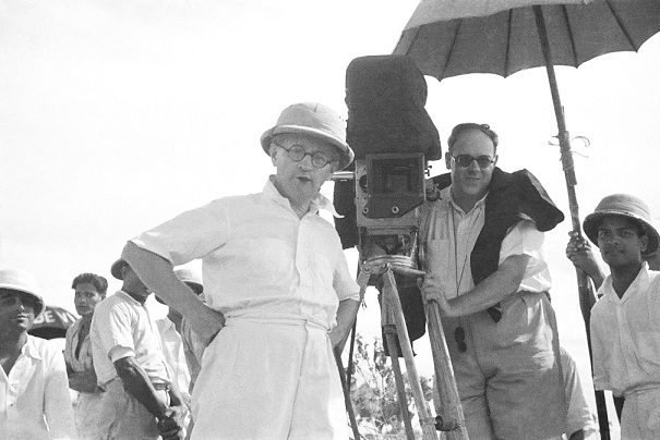 On the sets of Franz Osten's Izzat (1937). Courtesy The Wirsching Archive.