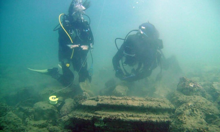 Underwater microbe 'cities' off Zakynthos University of East Anglia