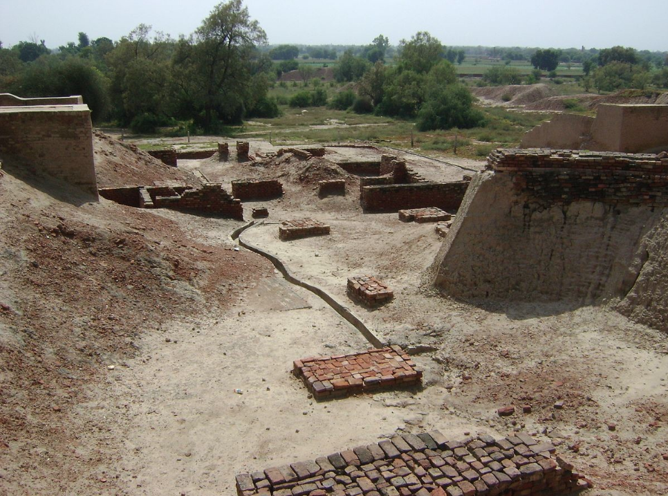 Mohenjo-Daro and Harappa (in picture) are said to have been multi-cultural and functioned as city-states. (Credit: Haseeb Ur Rehman Malik / Wikimedia Commons CC BY 4.0)