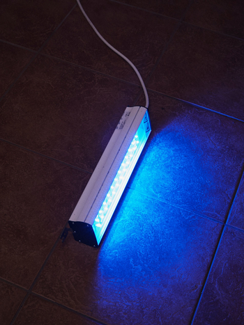 A blue light Linda uses to sterilise her belongings.  (Photo: © Dave Imms for Mosaic)