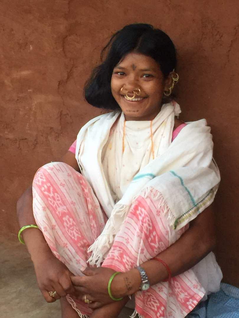 Kuni Sikaka, a young Dongria Kondh activist fighting against Vedanta's plan to mine Odisha's Niyamgiri hills, was labelled a Maoist and jailed. Photo via Twitter/Kavita Krishnan