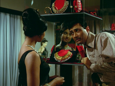 Tanuja and Dev Anand in Jewel Thief.
