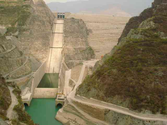 Tehri dam is an embankment dam on the Bhagirathi river in Uttarakhand.