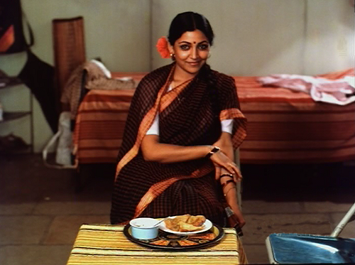 Deepti Naval as Sandhya in Katha (1982).
