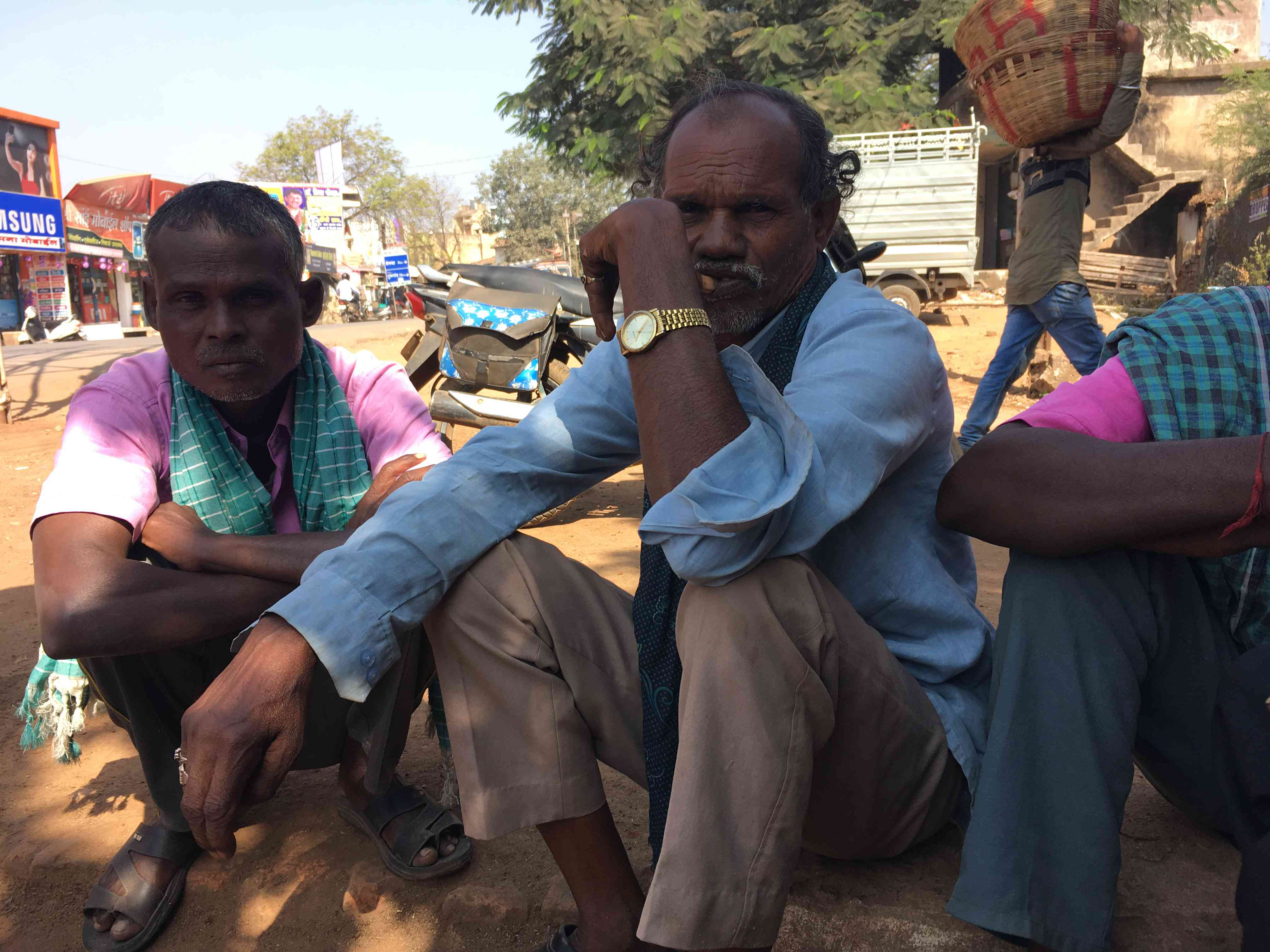 Daily wage labourers wait for work in Mahasamund town. They said work for them has almost dried up since Diwali. Photo credit: Akash Bisht