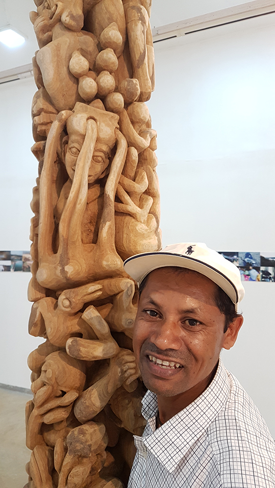 Rajkumar with his sculpture