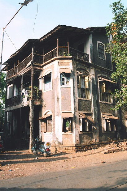 The Malad house, which has since been demolished. Courtesy Vishvas Kulkarni.