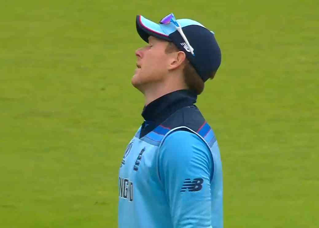 Eoin Morgan reacts