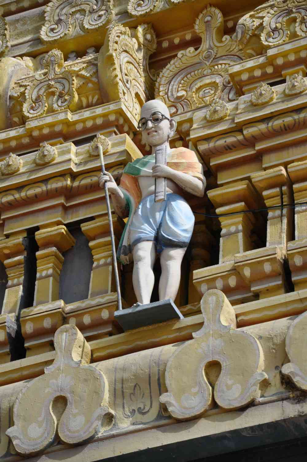 Mahatma Gandhi on the gopuram. Photo credit: Nayanjot Lahiri.