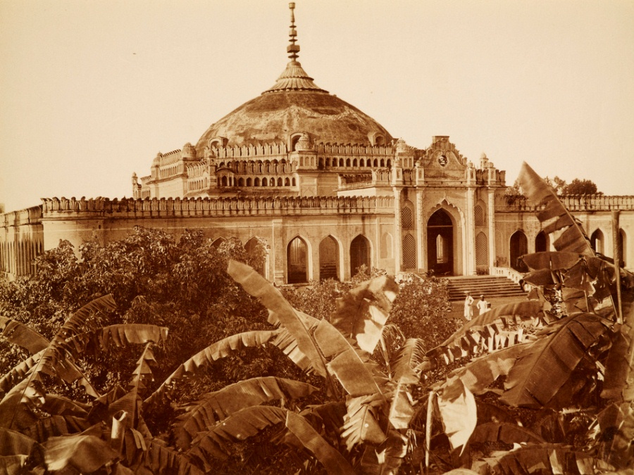 Shah Najaf's Imambara in Lucknow in the 1880s. Photo credit: Wikimedia Commons