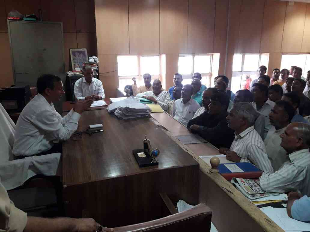 Residents appear before the city magistrate, Noida, to sign bonds. It is not just criminals and influential leaders who are bound down, even citizens who might get into fights are made to sign bonds (Credit: District Information Officer, Rajesh Chauhan)